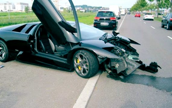 BREAKING: Justin Bieber Crashes Lamborghini Of Afrojack – Condition Unknown